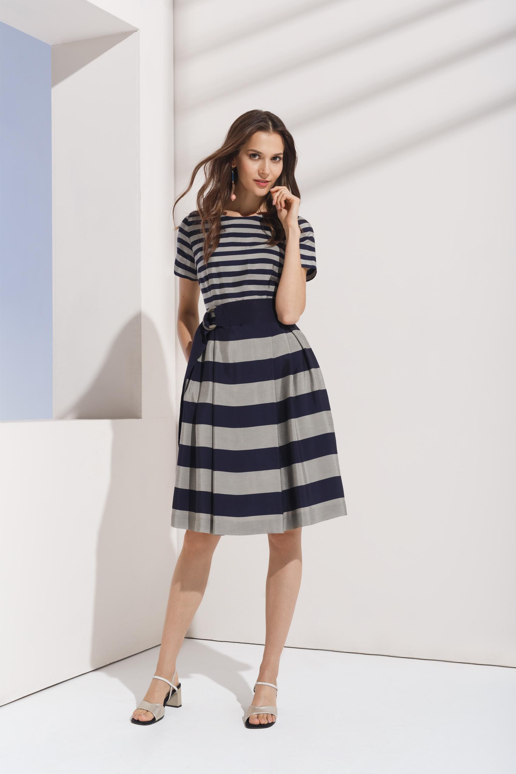 40f19ee262b Коллекция модные платья ...